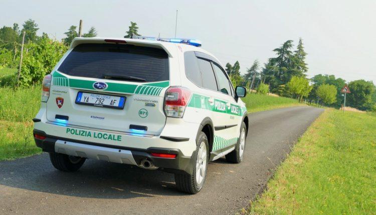 in corsa Forester polizia locale