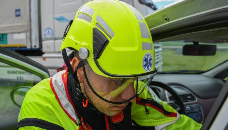 Protezione sempre in testa: come scegliere il caschetto da soccorso? | Emergency Live 11