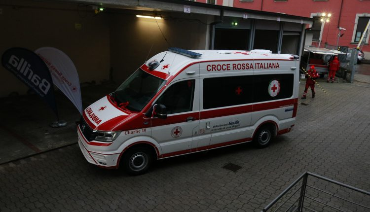 Una nuova ambulanza per i servizi ECMO in Emilia-Romagna   Emergency Live 7