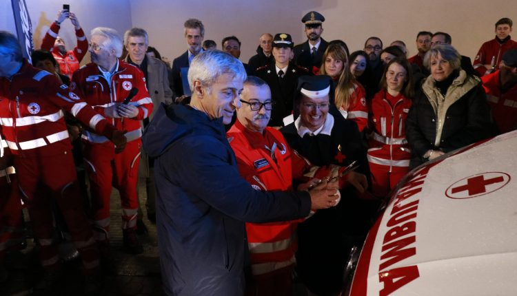 Una nuova ambulanza per i servizi ECMO in Emilia-Romagna   Emergency Live 10