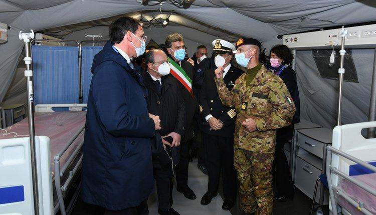COVID-19, Posto Medico Avanzato all'Ospedale di Barletta: la Marina Militare allestisce PMA per i cittadini pugliesi | Emergency Live 10