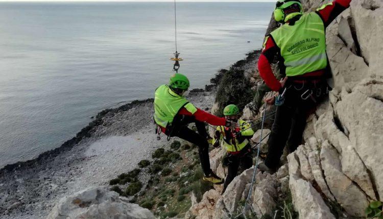 Operazioni HEMS, in Sicilia addestramento congiunto di Aeronautica Militare e Soccorso Alpino CNSAS 7
