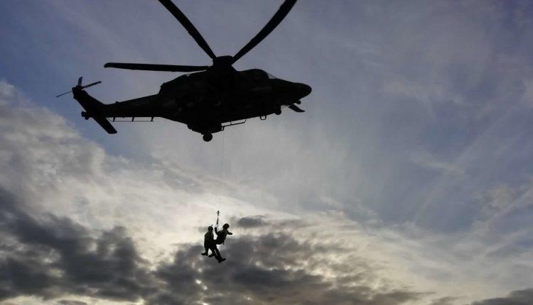 Operazioni HEMS, in Sicilia addestramento congiunto di Aeronautica Militare e Soccorso Alpino CNSAS 9