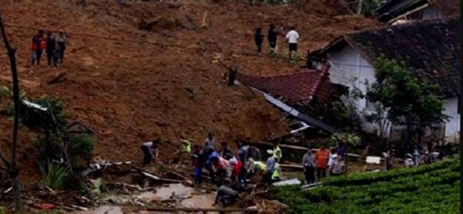 20140704103225-landslide_indonesia650