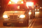 Man dies after jumping out of a riding ambulance – VIDEO