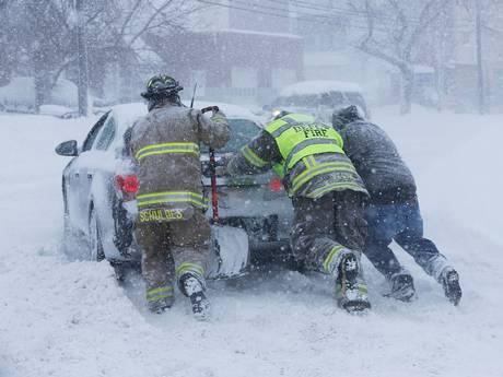 new-york-snow-buries-buffalo