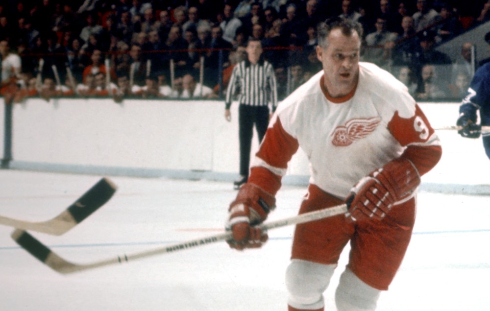 Gordie-Howe-game-action-white-jersey