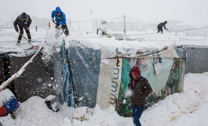 Refugees caught in heavy snow as storms lash Lebanon and Jordan