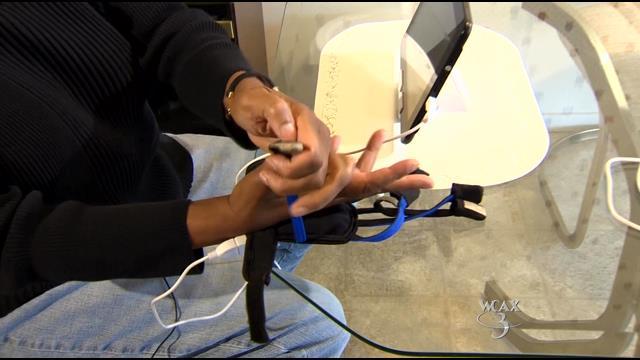stroke_gloves