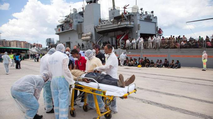 Emergency in Italy, more than 2,000 boat migrants rescued during the weekend