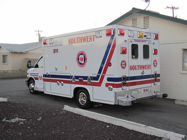 Arizona: SW Ambulance union may strike if final negotiations fail