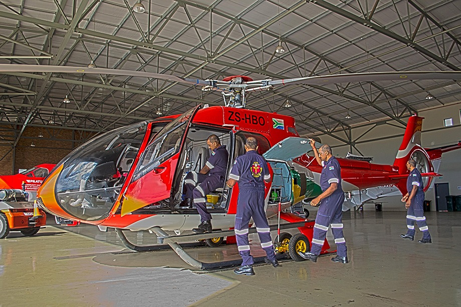 Checking-the-heli2