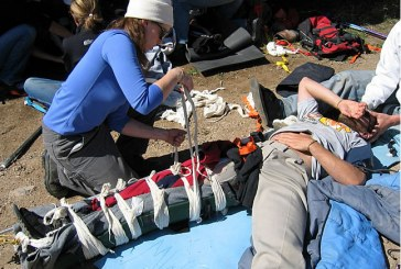 Wilderness first aid: How to manage a Basic Wound in austere environment?