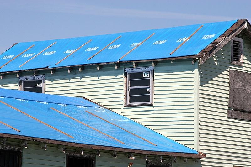 fema-blue-roof-tarps-after-hurricane