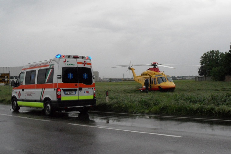Ambulance or helicopter? Which is the best way to transport a traumatized patient?