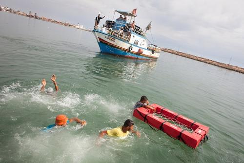 Tunisia: Fishermen receive training in saving lives at sea