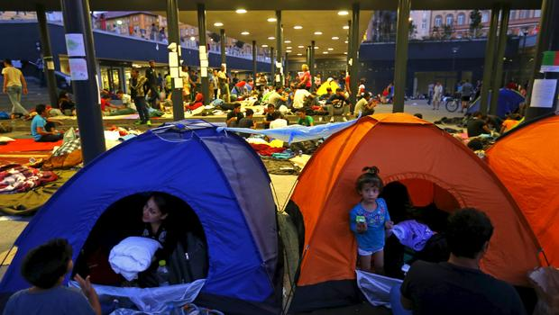 Migrant crisis: UNHCR offer assistance to the Hungarian authorities