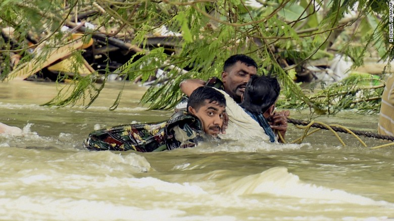 India – Flood inundate street in Chennai, Emergency workers rescue more than 120.000 people