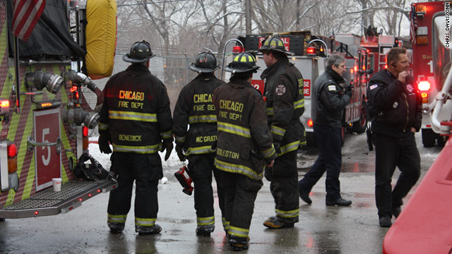 Chicago: Firefighter killed in South Chicago blaze