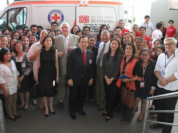 Philippines, a new ambulance for the Red Cross in Mandaluyong