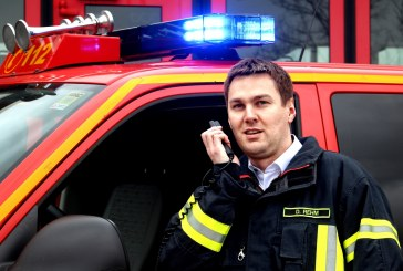 pei tel: Firefighters use professional car phones