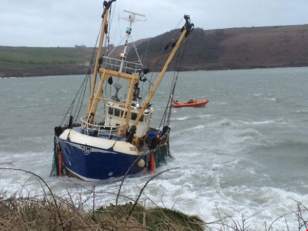 Three fishermen saved in dramatic rescue effort
