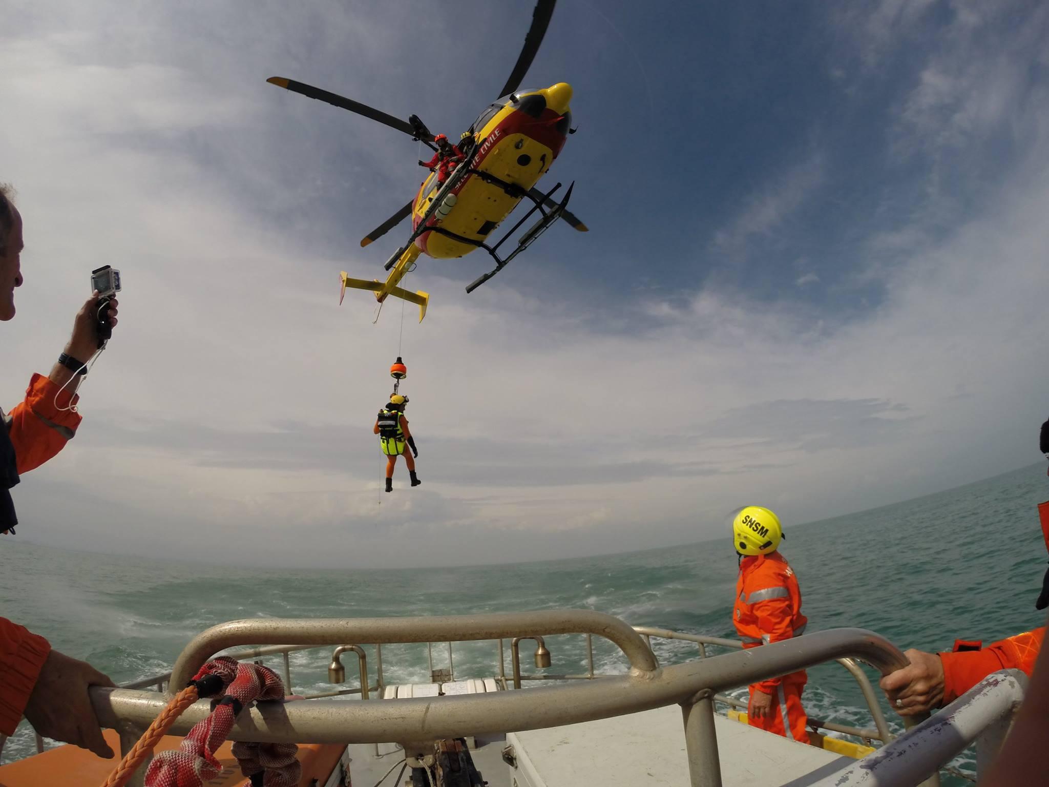 Airbus Helicopters to retrofit the Sécurité Civile's 35 EC145