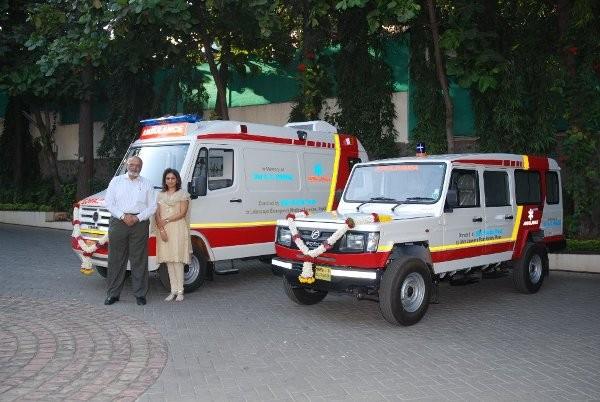 Shri-Firodia-trust-donates-50-ambulances-600×402