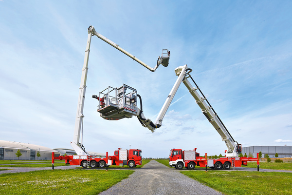 Rosenbauer sets up joint venture for hydraulic firefighting and rescue platforms