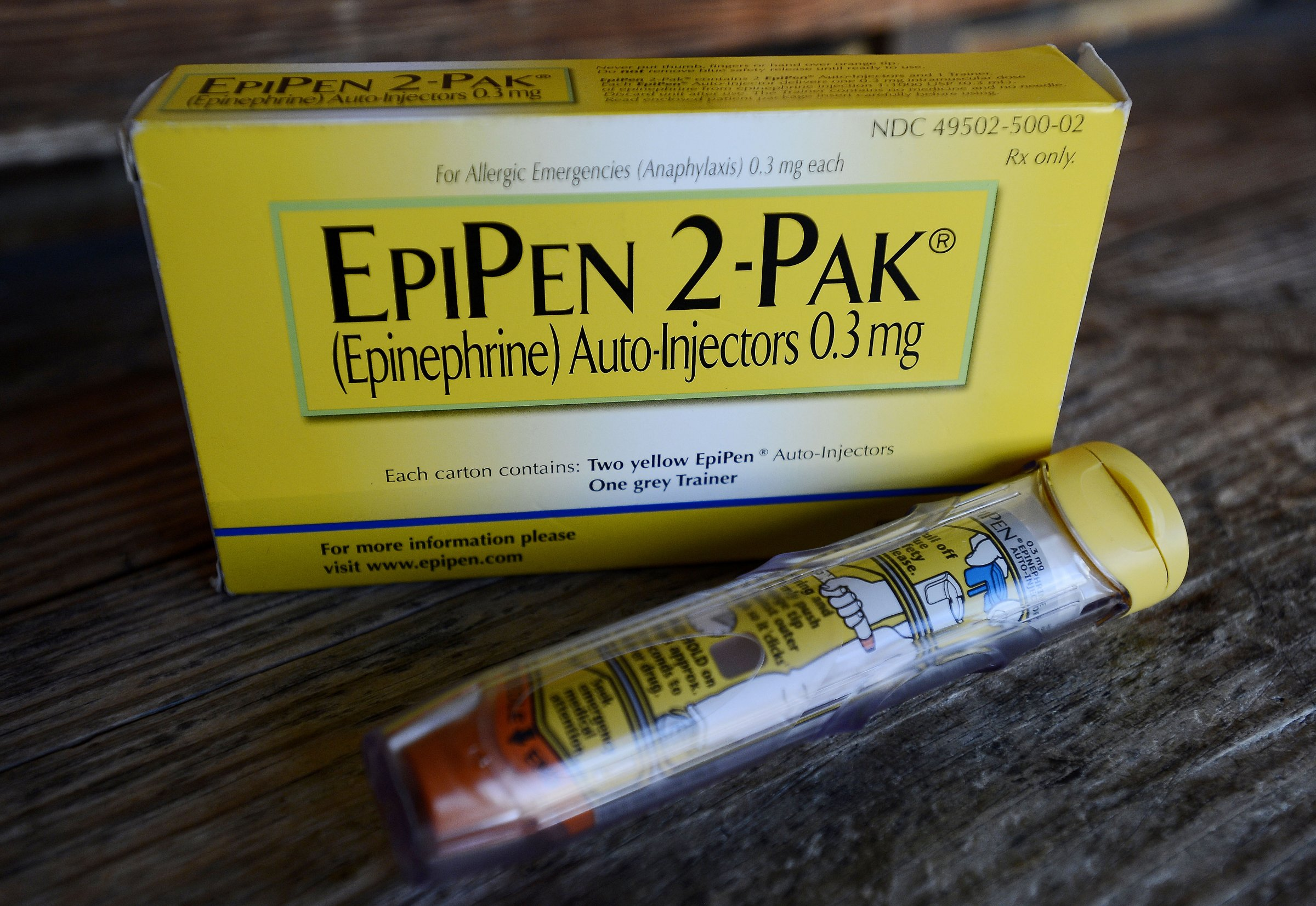 EpiPens more expensive – Price increases, but also do the problems