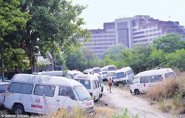 ambulance_graveyard_India