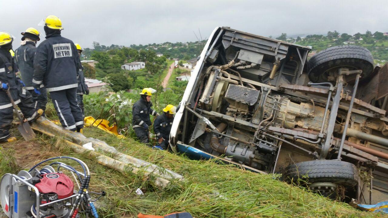 Emergency Live | RSA - Atualização do acidente de ônibus na M1 (GALERIA) imagem 12