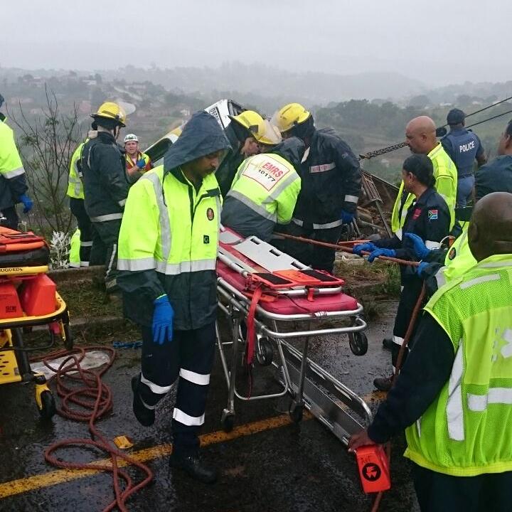 Emergency Live | RSA - Atualização do acidente de ônibus na M1 (GALERIA) imagem 1