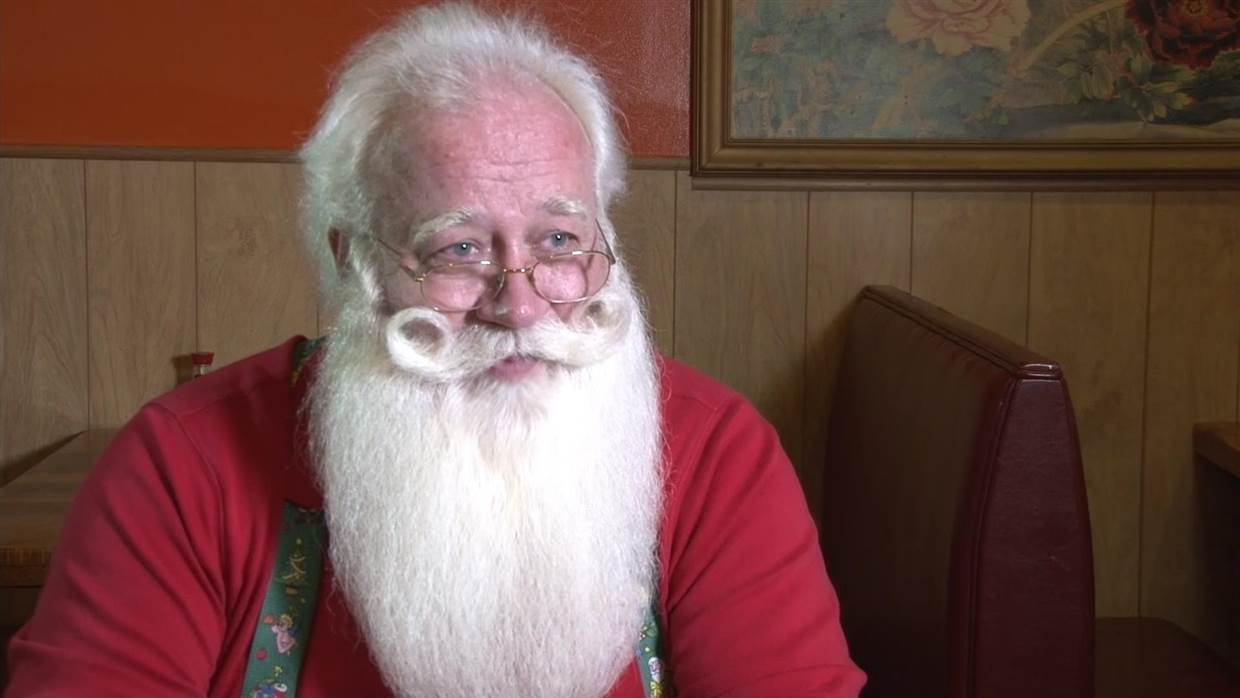 Terminally Ill 5-Year-Old Boy Dies in Santa's Arms