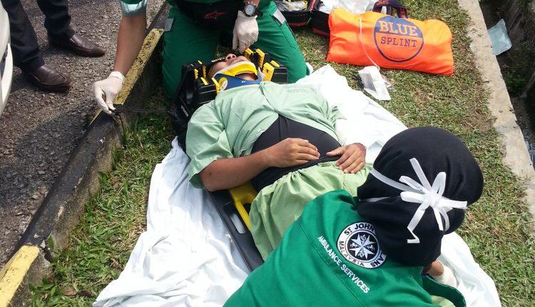 Kuasa Saksama est le principal fournisseur d'équipement médical d'AVP, le principal fournisseur d'ambulances malais | Urgence en direct 8