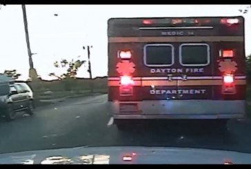 A man steal an ambulance with patient and the crew inside – VIDEO