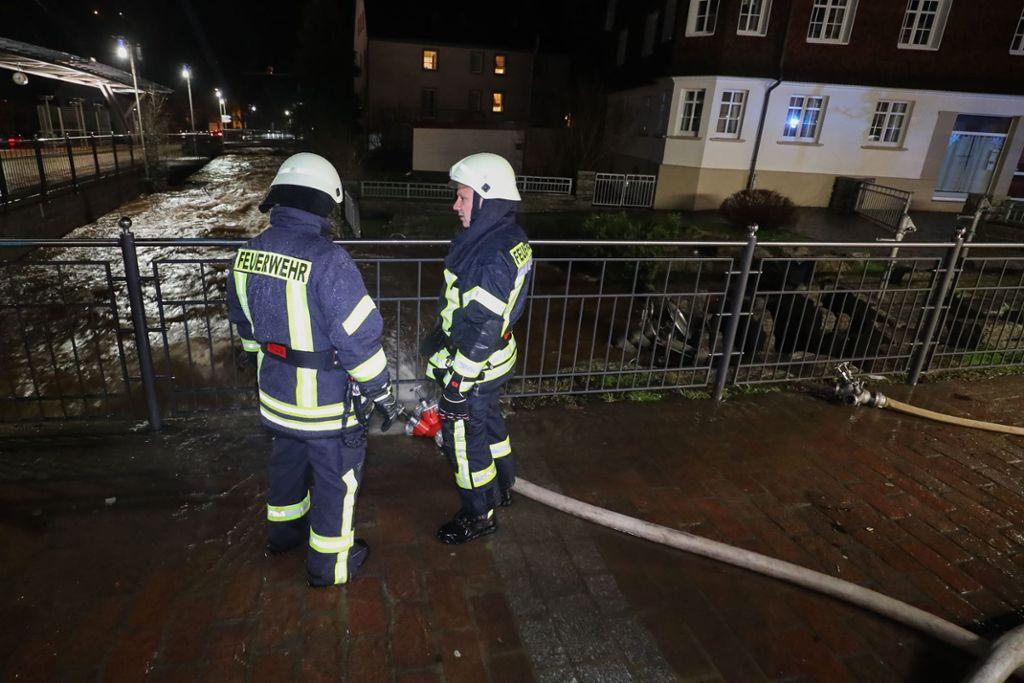Emergencia en vivo | Alemania - Los bomberos luchan contra las inundaciones en el área de la Selva Negra imagen 5