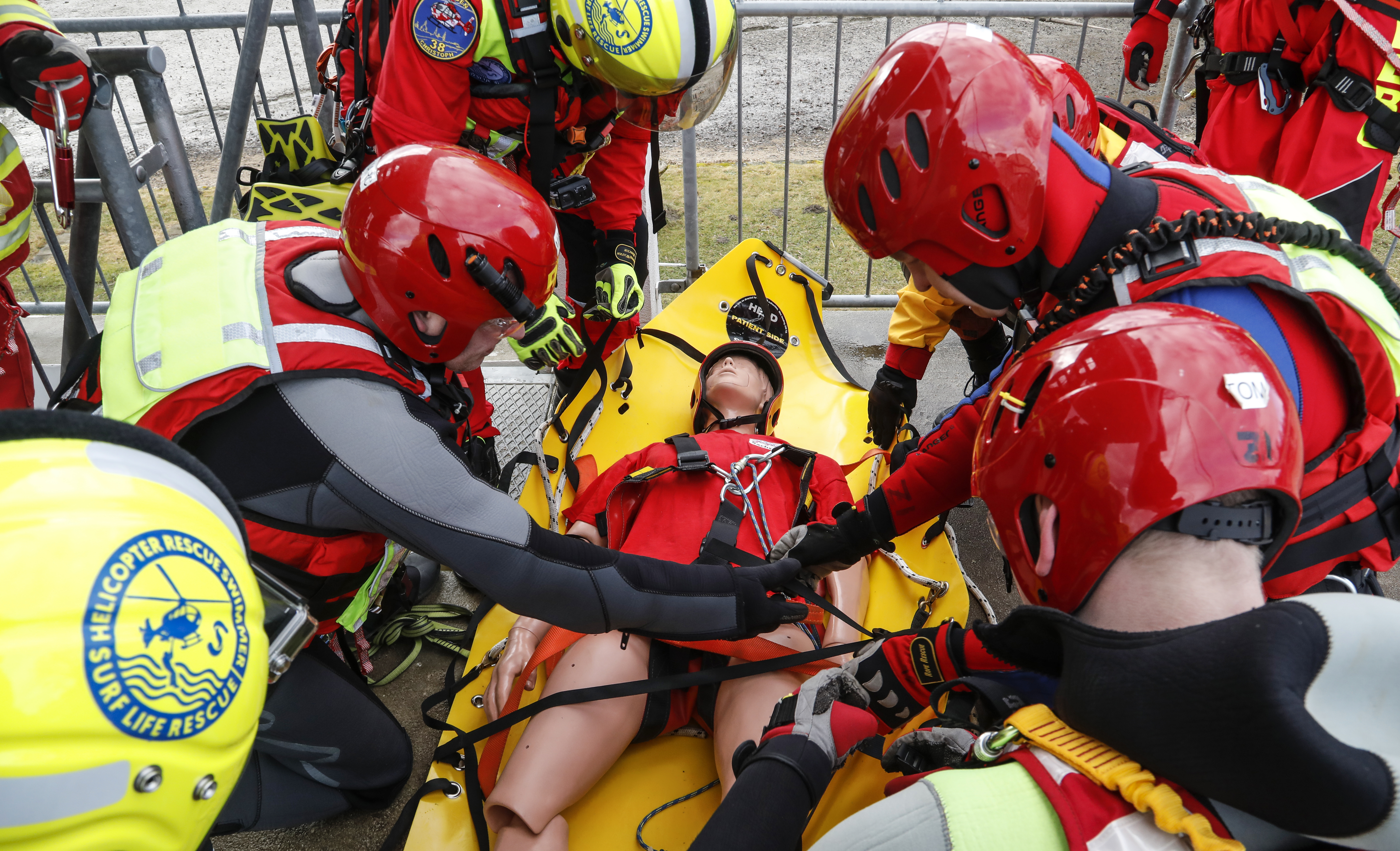 Emergency Live | The emergence of the HRS - Surf Life Rescue: water rescue and safety image 28
