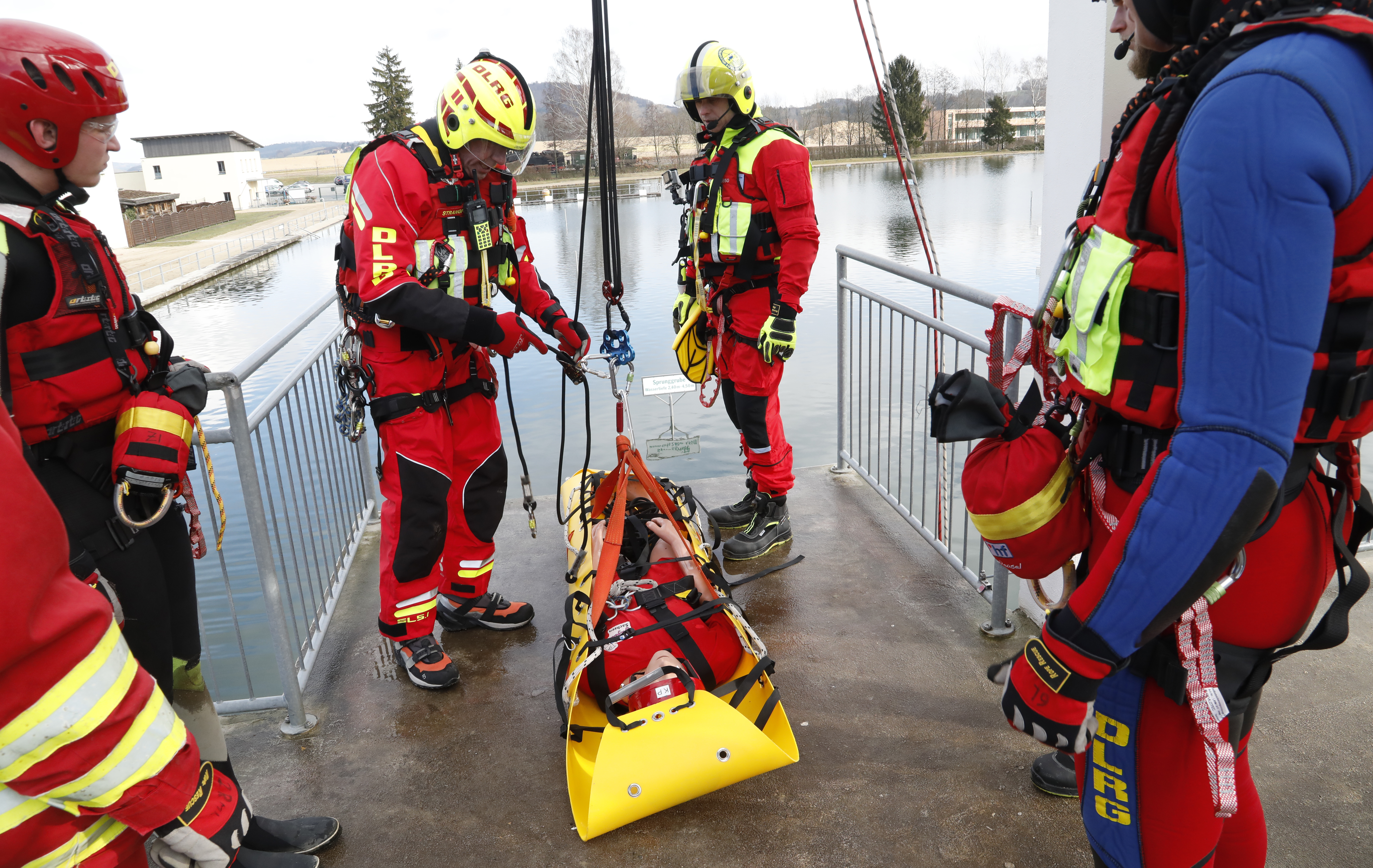 Emergency Live | The emergence of the HRS - Surf Life Rescue: water rescue and safety image 29