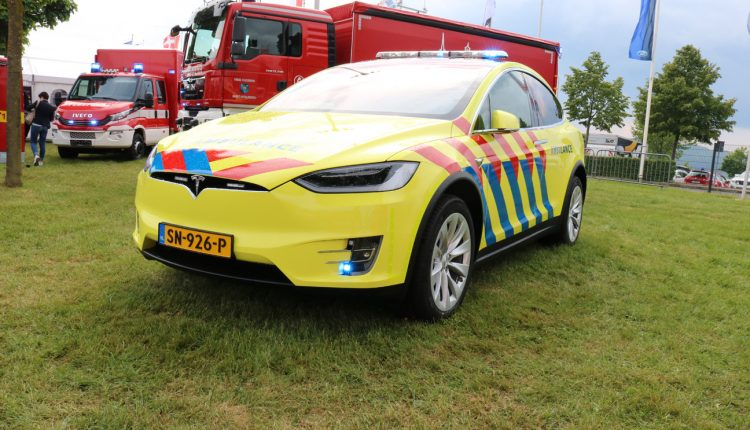 TESLA Model S for the UMCG Dutch Ambulance service