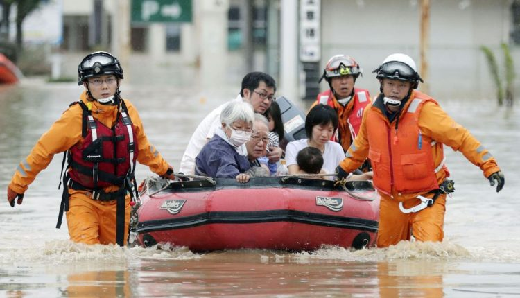 japan-flooding-at-least-62-dead_4356377