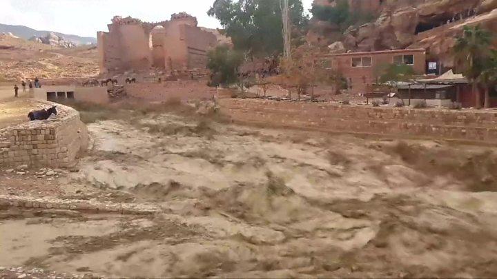 jordan flood rescuers 6