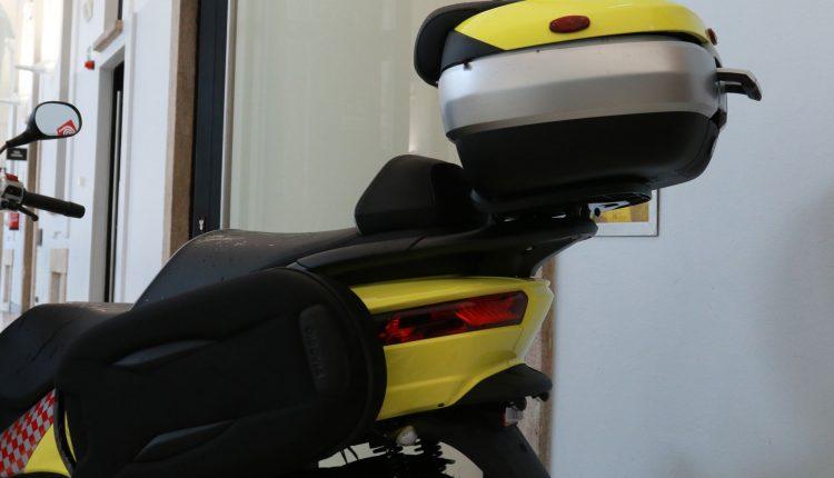 piaggio mp3護理人員摩托車細節