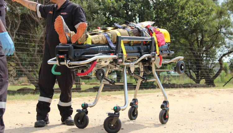 Acil Durum Canlı | Afrika'da yüksek kaliteli bir ambulans için hangi tıbbi cihazlara ihtiyacınız var? resim 14