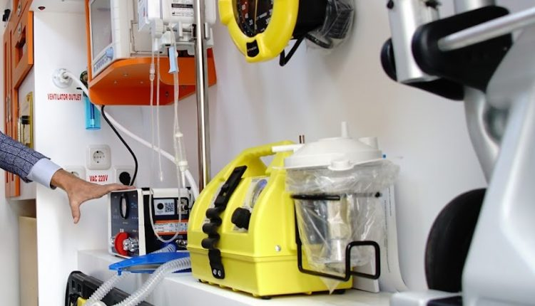 Acil Durum Canlı | Afrika'da yüksek kaliteli bir ambulans için hangi tıbbi cihazlara ihtiyacınız var? resim 3