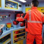 Avarinis tiesioginis | Greitosios medicinos pagalbos uniforma Europoje. Dėvėkite ir palyginkite gelbėtojų bandymą 9 vaizdas