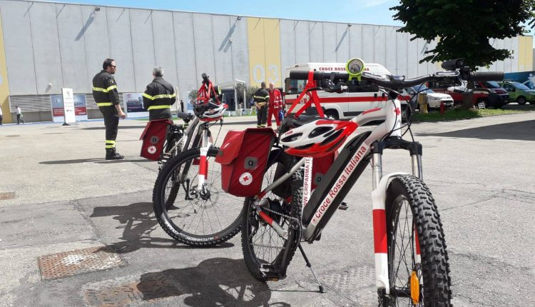 Emergency Live | Is a bicycle ambulance a good solution for urban first aid? image 6