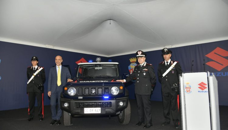 Emergencia en vivo | Suzuki Jimny, el 4WD supercompacto entra en el Carabinieri Corps image 5