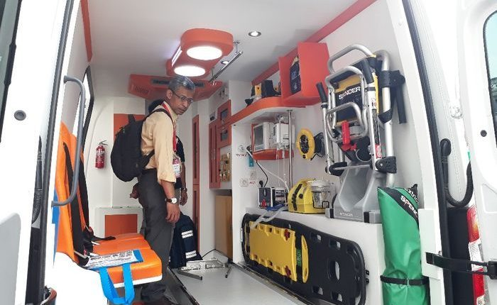 Emergency Live | Discovering equipment and solutions inside an ambulance in Indonesia image 4