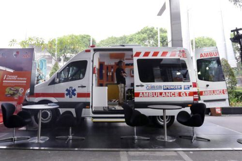 Emergency Live | Discovering equipment and solutions inside an ambulance in Indonesia image 3